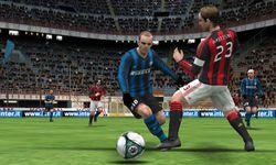 PES 2011 3DS (2)