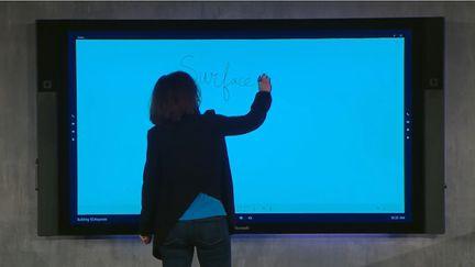 Microsoft Surface Hub 02