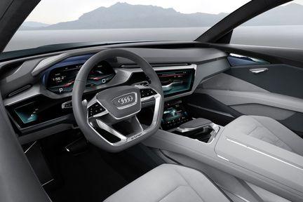 Audi E Tron Quattro habitacle 02