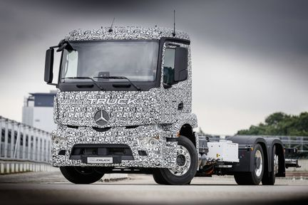 Mercedes Benz Urban eTruck 02