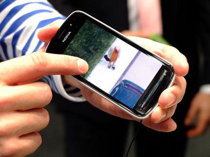 Nokia 808 PureView 03