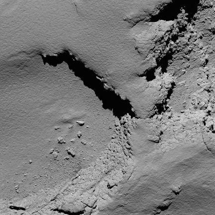 Comet_from_5.8_km_narrow-angle_camera