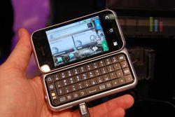 Motorola BackFlip MWC 01