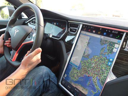 Tesla habitacle 02
