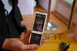 Sony Ericsson Aino 02