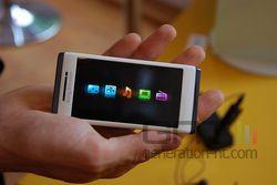Sony Ericsson Aino 04