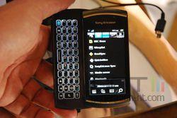 MWC Sony Ericsson Vivaz Pro 02