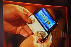 MWC Sony Ericsson Xperia Play 02