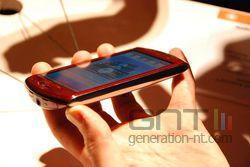 Sony Ericsson Xperia Neo 02