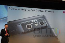 MWC conf LG Optimus 3D 07