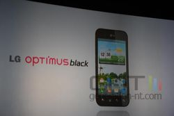 MWC conf LG Optimus 3D 01