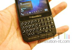 blackBerry Q5 03