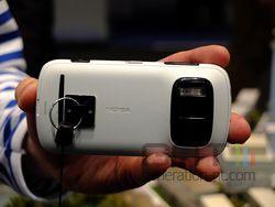 Nokia 808 PureView 01