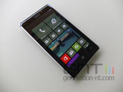 Nokia Lumia 925 face 02