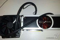 AMD Radeon R9 295X2 1