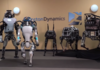Boston Dynamics : un impressionnant robot Handle qui roule et saute !