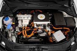 Audi A3 e-tron 4