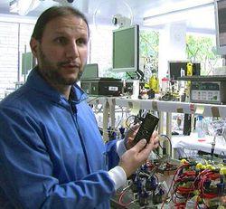 Bristol-Robotics-Laboratory-electricite-urine-cellules-bacteries