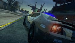 Burnout Paradise : The Ultimate Box   Police   3