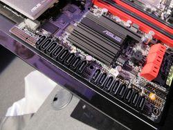 Carte mère Asus LGA 1366 / LGA 2011 - 3