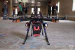 Canons à eau, laser, brouilleurs... Les pistes du gouvernement contre les survols de drone