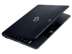 Fujitsu Lifebook SH771 - 3