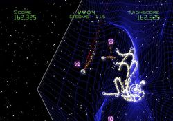 Geometry Wars Galaxies   26