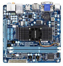 Gigabyte GA-E350N-USB3 dessus