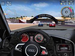 GT Racing HD iPad 02