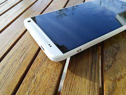 HTC_One_Max_Design_b