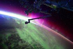 ISS-aurore-boreale