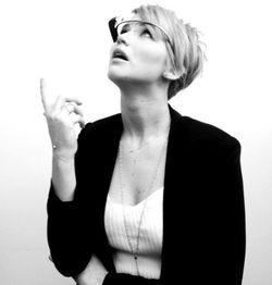 Jennifer-Lawrence-Google-Glass