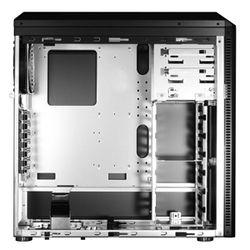 Lian Li PC-B25F intérieur