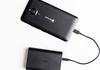 Microsoft Dual Portable : une batterie externe 12 000 mAh pour recharger votre smartphone