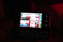 Motorola Dext Motoblur 07