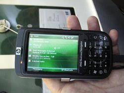 MWC 2008 HP iPAQ 614  02
