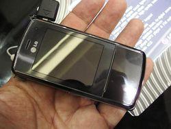 MWC 2008 LG KF510 01