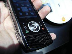 MWC 2008 Motorola Z10 02