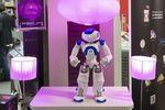 Axa envisage de déployer des robots humanoïdes pour assister les seniors
