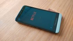 Netflix_BlackBerry_Z30_f