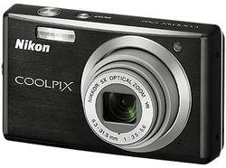 Nikon_CoolPix_S560 01