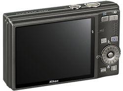 Nikon_CoolPix_S710 02