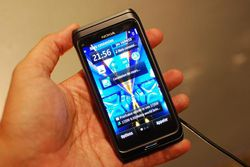 Nokia E7 01