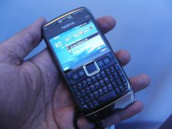Nokia E71 03