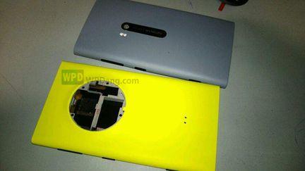 Nokia EOS PureView 02
