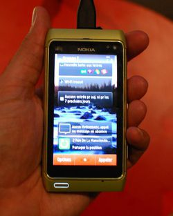 Nokia N8 02