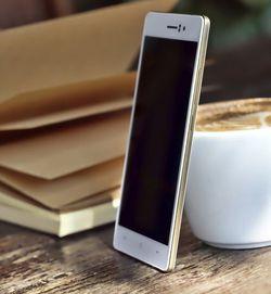 Oppo R5 gold (2)