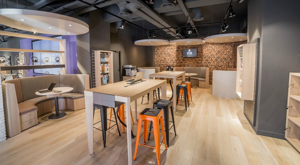 Orange ouvre son premier smart store sur les champs elys es - Boutique orange narbonne ...