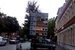 Lille : il pirate des panneaux d'affichage pour dénoncer les risques du