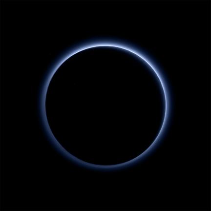 Pluton ciel bleu